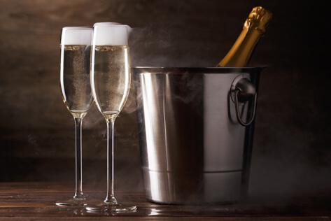 https://basketsvermont.com/media/holidays/Admin Professionals Day/IMG_Champagne.jpg