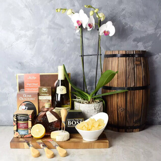 Deluxe Sweet & Savory Wine Gift Set Manchester