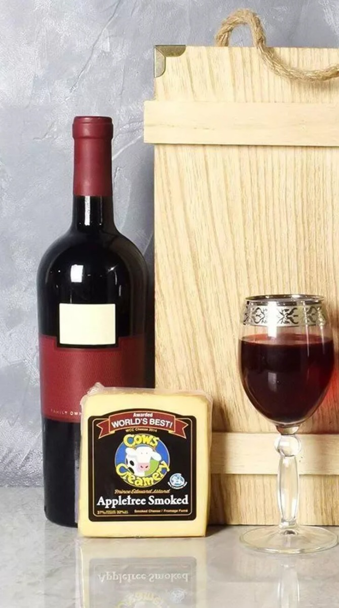 Classic Wine & Cheese Crate
