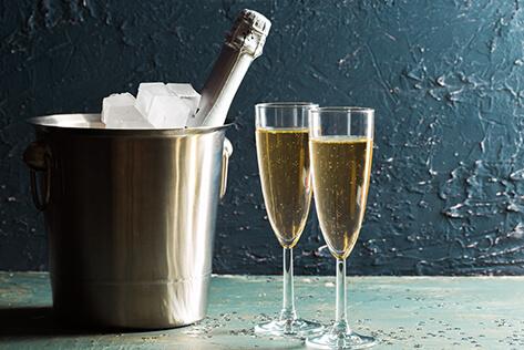 https://basketsvermont.com/media/holidays/Mother's Day/IMG_Champagne.jpg